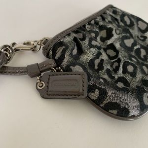 Coach Wristlet Animal Leopard print